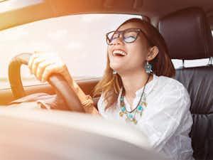 ขับรถขณะฟังเพลง