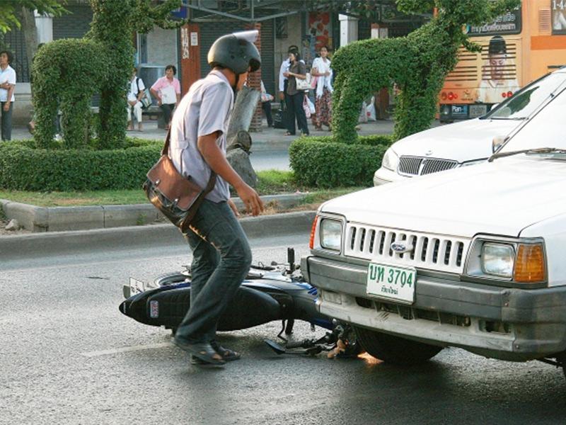 ประกันภัยรถยนต์ ต่อประกันรถ