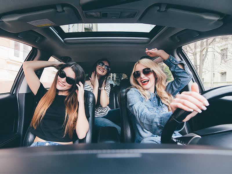 ฟังเพลงขณะขับรถ
