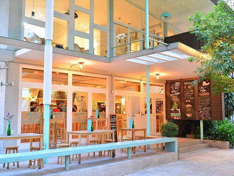 ร้านนั่งชิวทองหล่อ-เอกมัย-Mikkeller-Bangkok